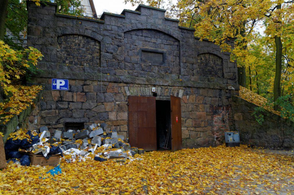 Wejście do podziemi pod Wzgórzem Kościuszki
