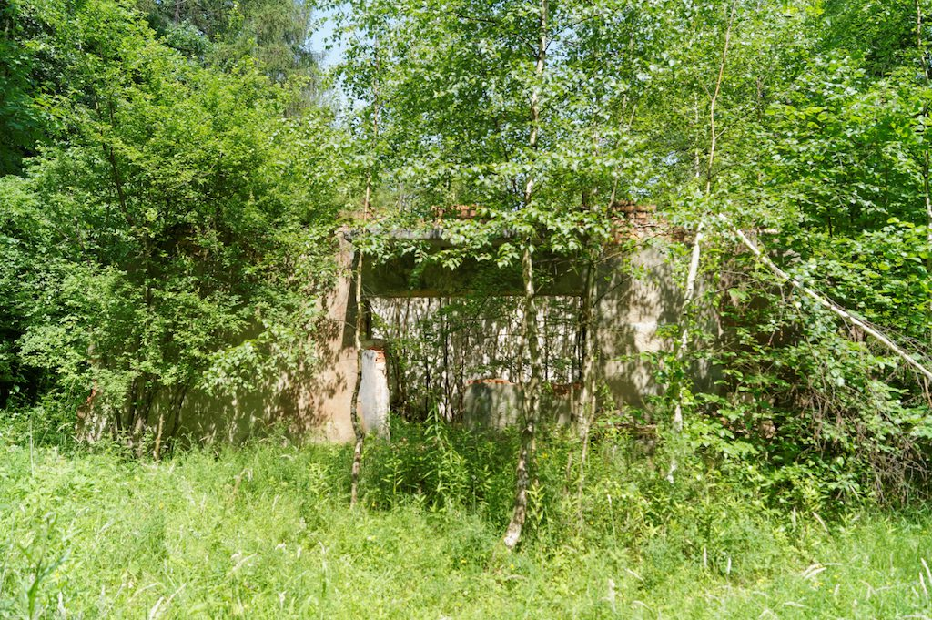 Ruiny obiektów naziemnych