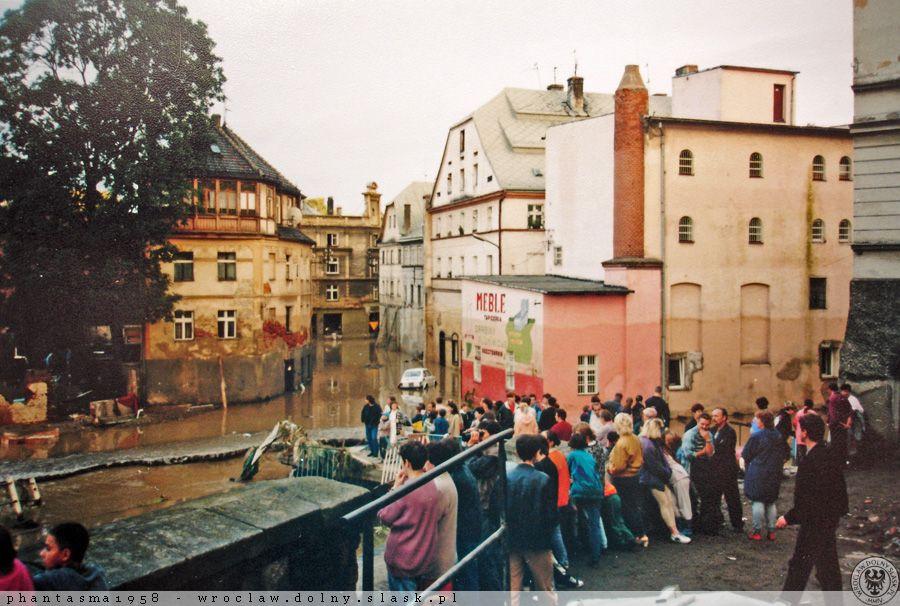 Powódź w Kłodzku - Ul. Zofii Stryjeńskiej - Źródło: dolny-slask.org.pl
