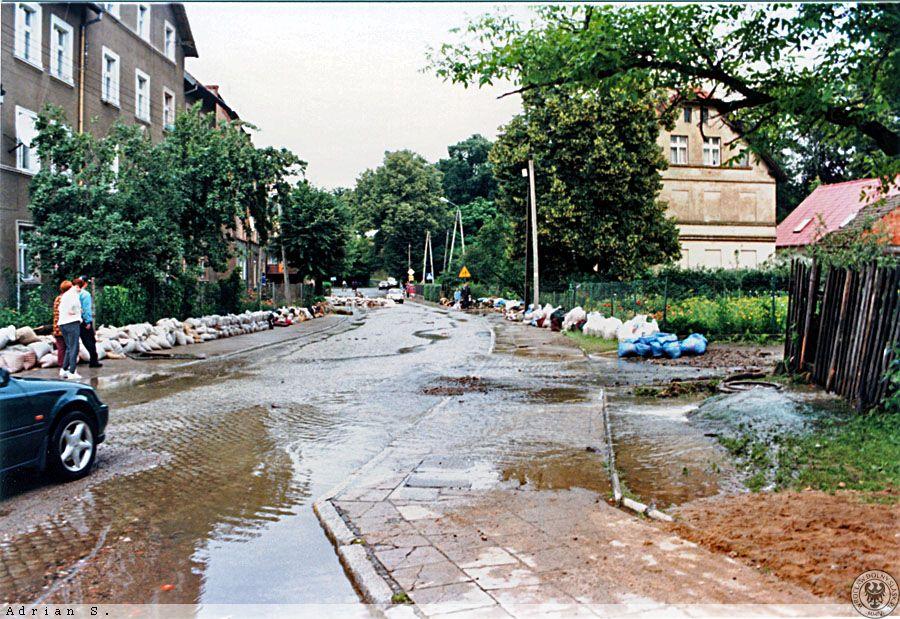 Powódź w Świebodzicach - Źródło: dolny-slask.org.pl