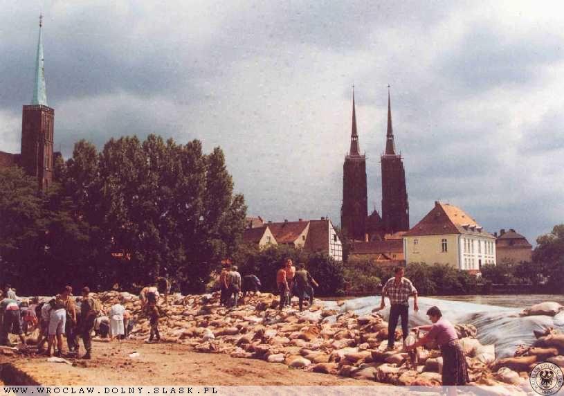 Powódź we Wrocławiu - Wyspa Piasek - Źródło: dolny-slask.org.pl