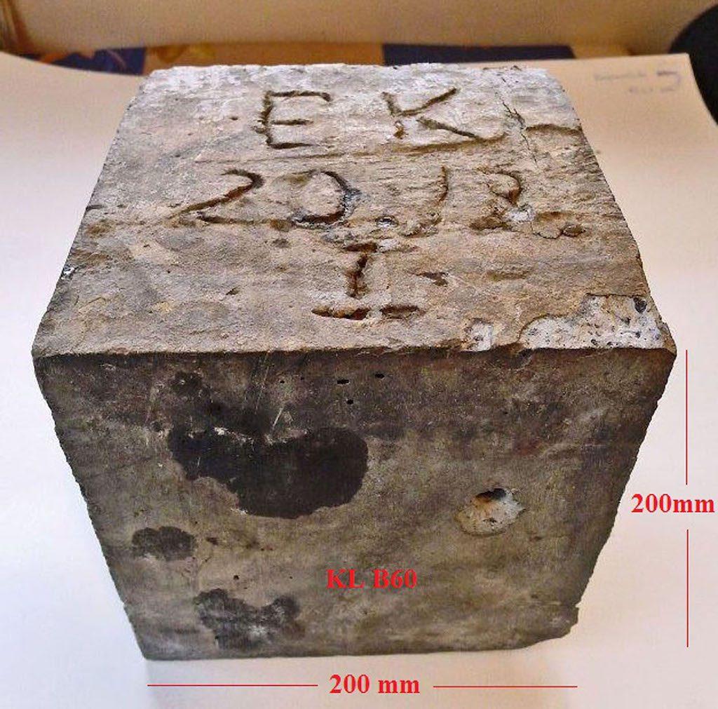 Odnaleziona kostka betonu klasy B-60 - Zbiory: Jerzy Cera