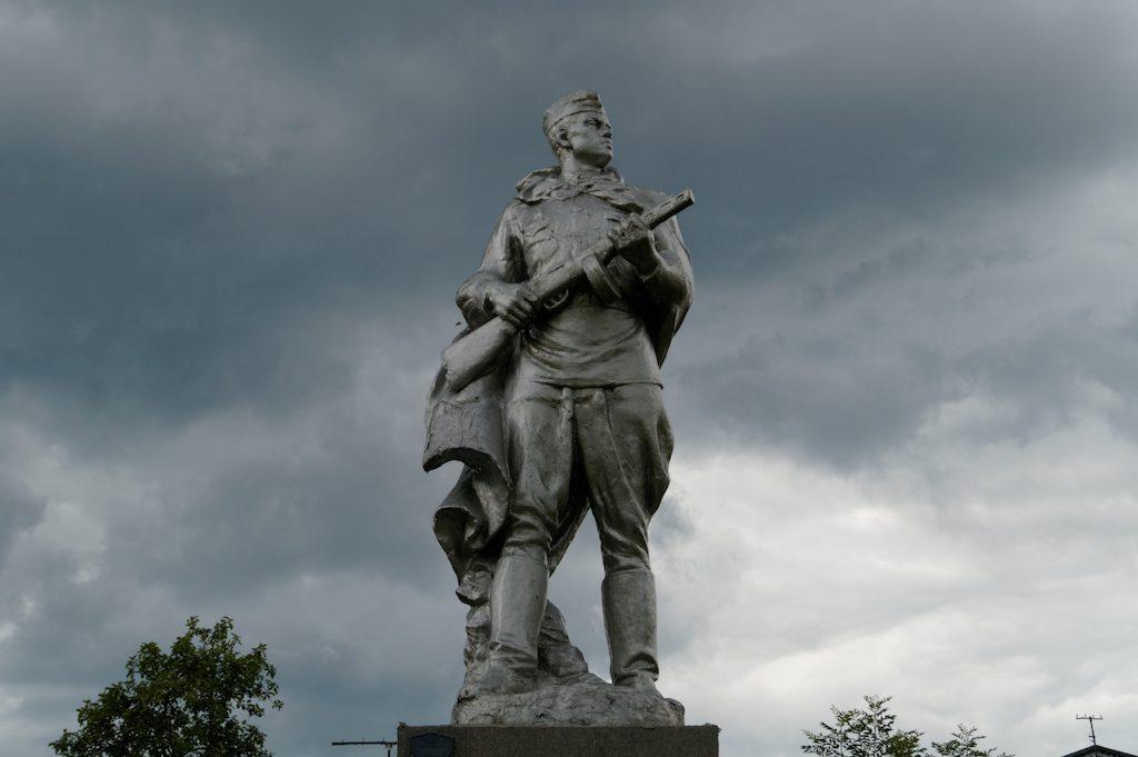 Pomnik czerwonoarmisty w Nowogródku
