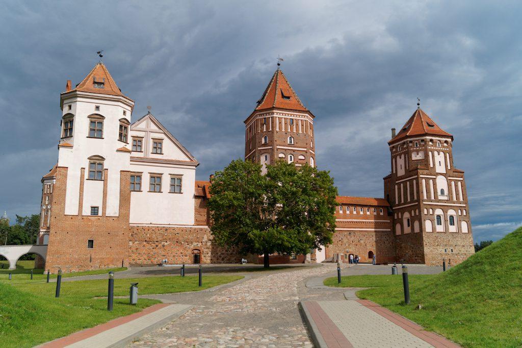 Początki zamku sięgają XVI wieku - Mir