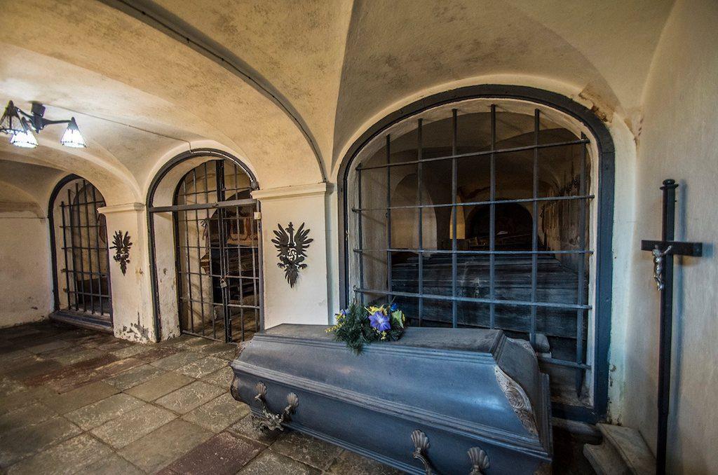 W podziemiach kościoła znajduje się krypta Radziwiłłów - Foto: Adrian Sitko