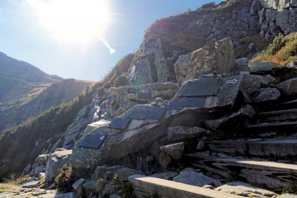 Cmentarz Ofiar Gór w Karkonoszach - 10 miejsc pamięci na Dolnym Śląsku