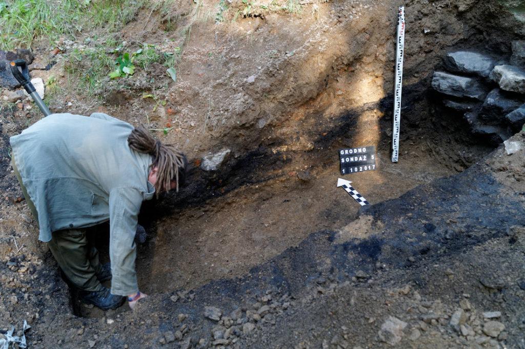 Badania i prace archeologiczne na Zamku Grodno