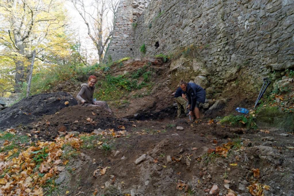 Badania i prace archeologiczne - Skarby odnalezione na Zamku Grodno