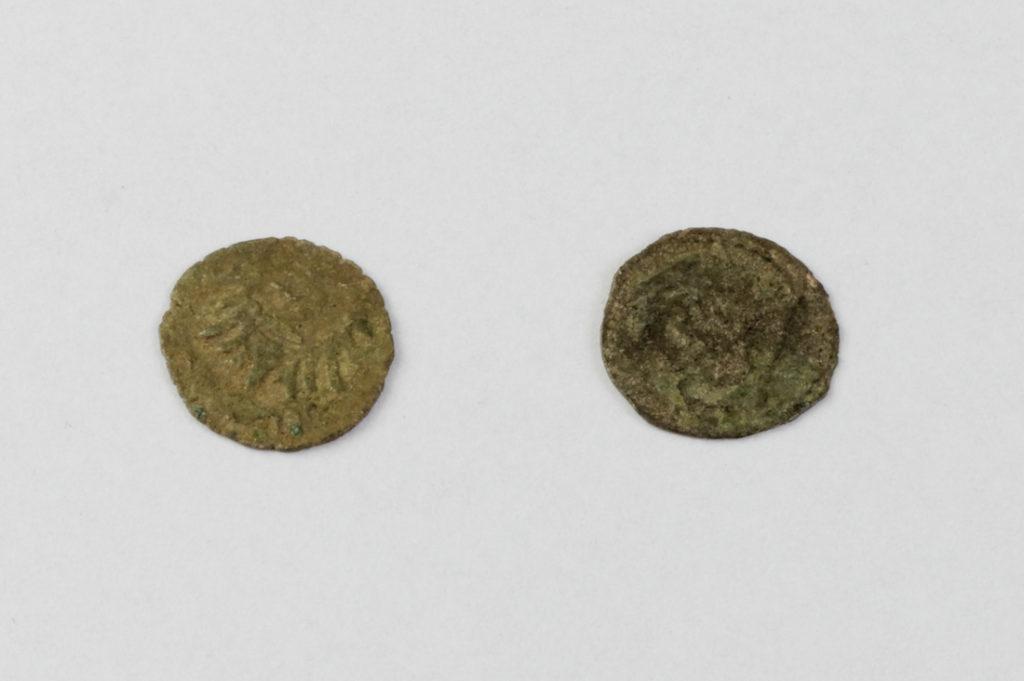 Halerze śląskie - Na monecie po lewej stronie można dostrzec wizerunek orła