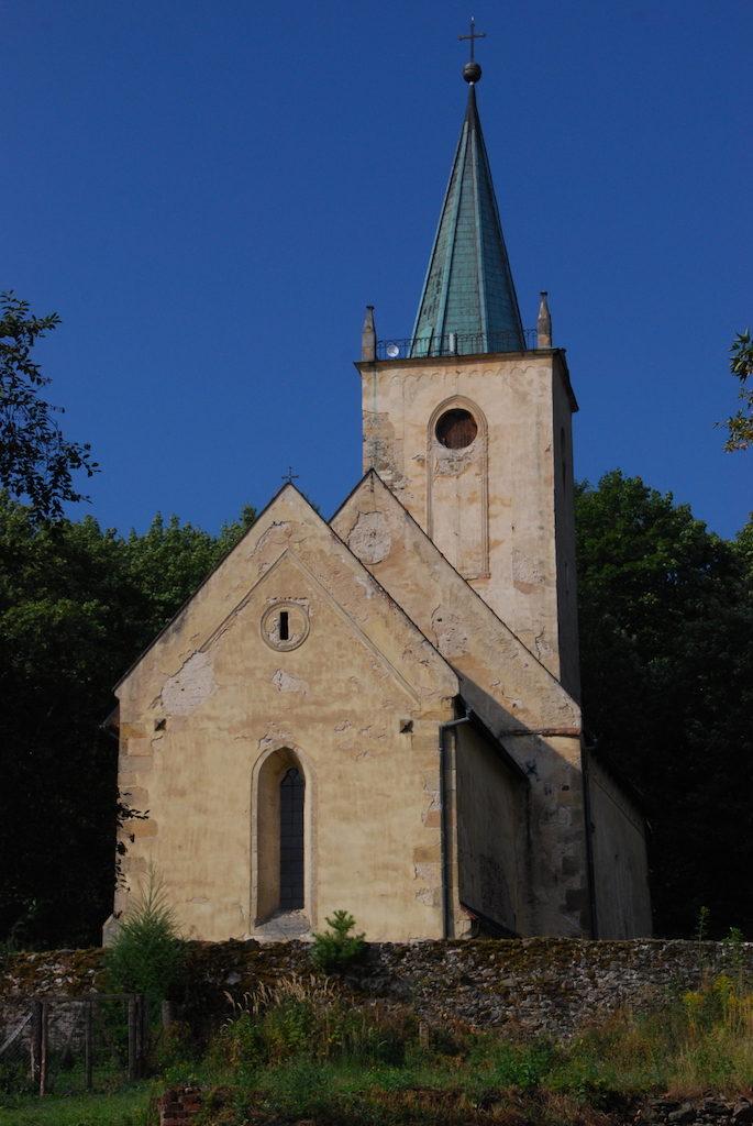 Kościół pod wezwaniem św. św. Piotra i Pawła w Lubiechowej – Fot. Jolanta Szczepańska medievalis.przewodnikwroclaw.eu