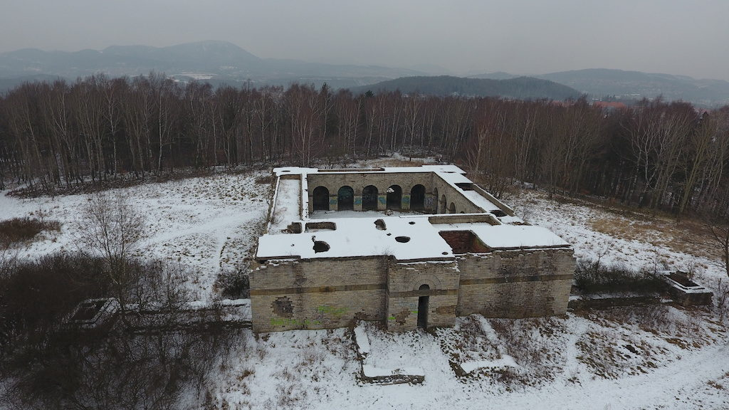 Totenburg (Schlesier Ehrenmal) – Ostatnia świątynia nazistów – Foto: Michał Jabłoński