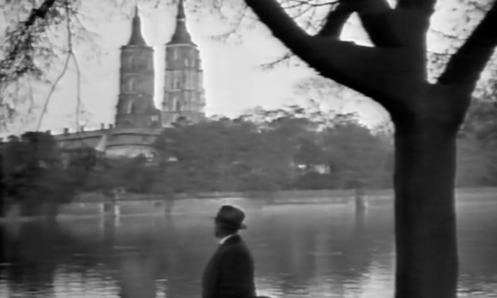 Kadr z filmu, widok na Ostrów Tumski i wieże katedry – Wrocław i okolice na filmie z 1924 roku