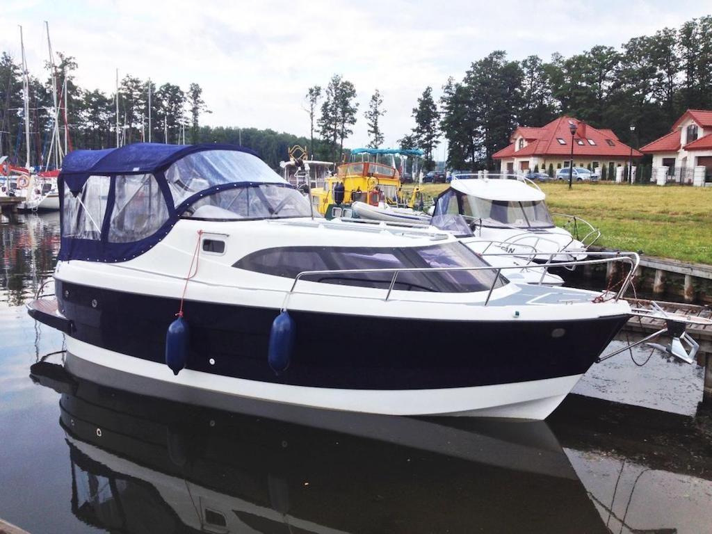 Czarter jachtów motorowych na Mazurach bez patentu - Źródło: wypozyczalnia.mazury.p