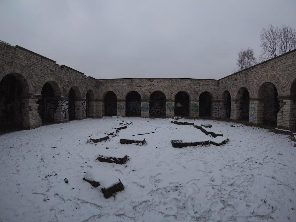 Główny dziedziniec Totenburga