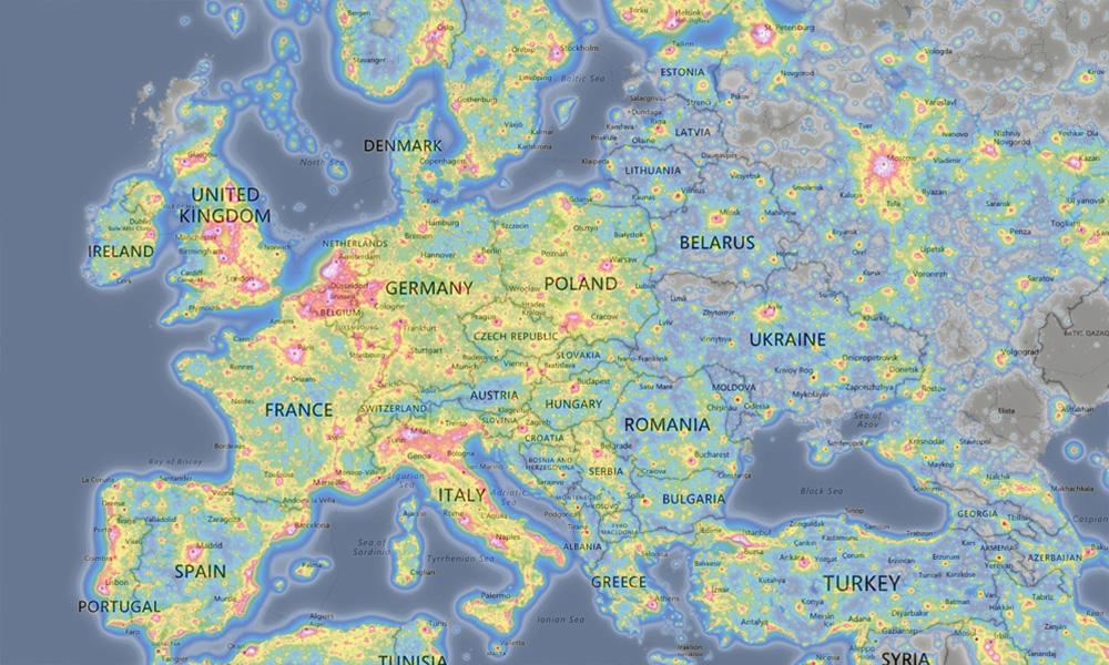 Nietypowy Okaz Mapa zanieczyszczenia światłem | Eloblog KH74