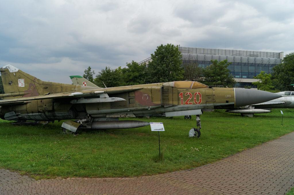 Samolot myśliwski MiG-21 MF