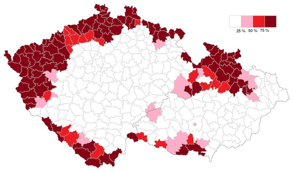 Na czerwono zaznaczone obszary zamieszkane przez sudeckich Niemców według spisu z 1930 roku – Źródło: commons.wikimedia.org Autor: Fext