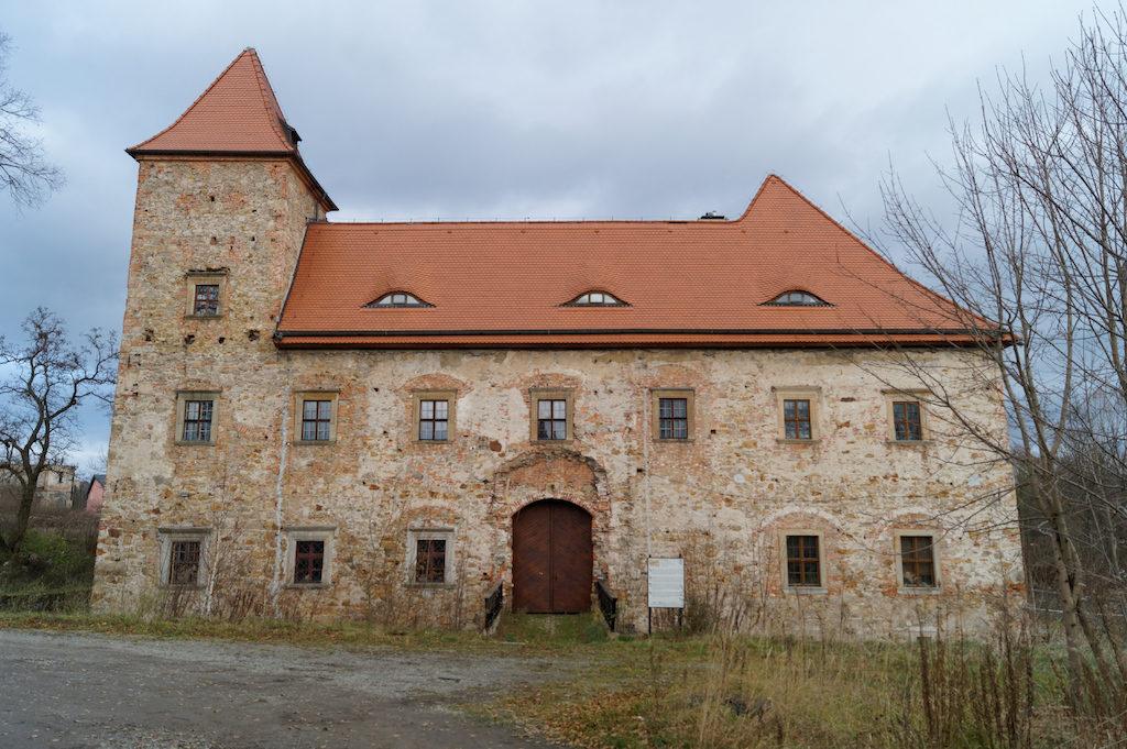 Renesansowy Dwór Czarne w Jeleniej Górze