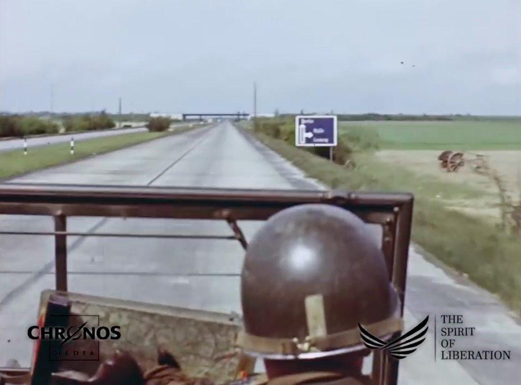 Jedna ze sławnych niemieckich autostrad tzw. Reichsautobahn – Żródło: YouTube / chronoshistory