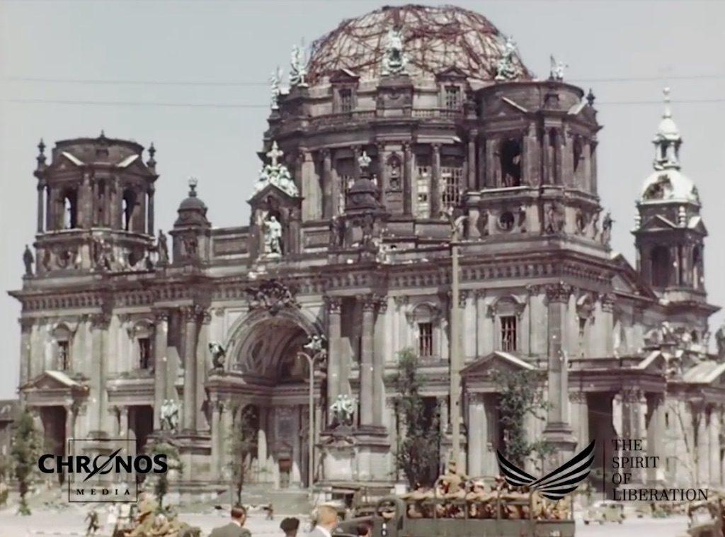 Zniszczona berlińska katedra (Berliner Dom) – Żródło: YouTube / chronoshistory