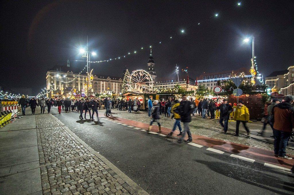Główna część jarmarku na Altmarkt – Foto: Adrian Sitko