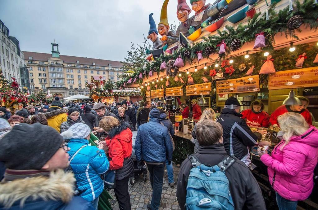 Striezelmarkt – Jarmark Bożonarodzeniowy w Dreźnie – Foto: Adrian Sitko