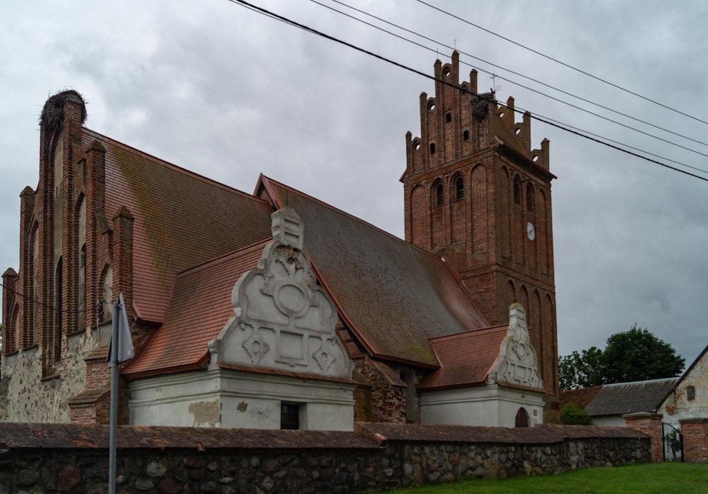 Bagrationowsk (ros. Багратионовск) i stary kościół zachowany w całkiem dobrym stanie