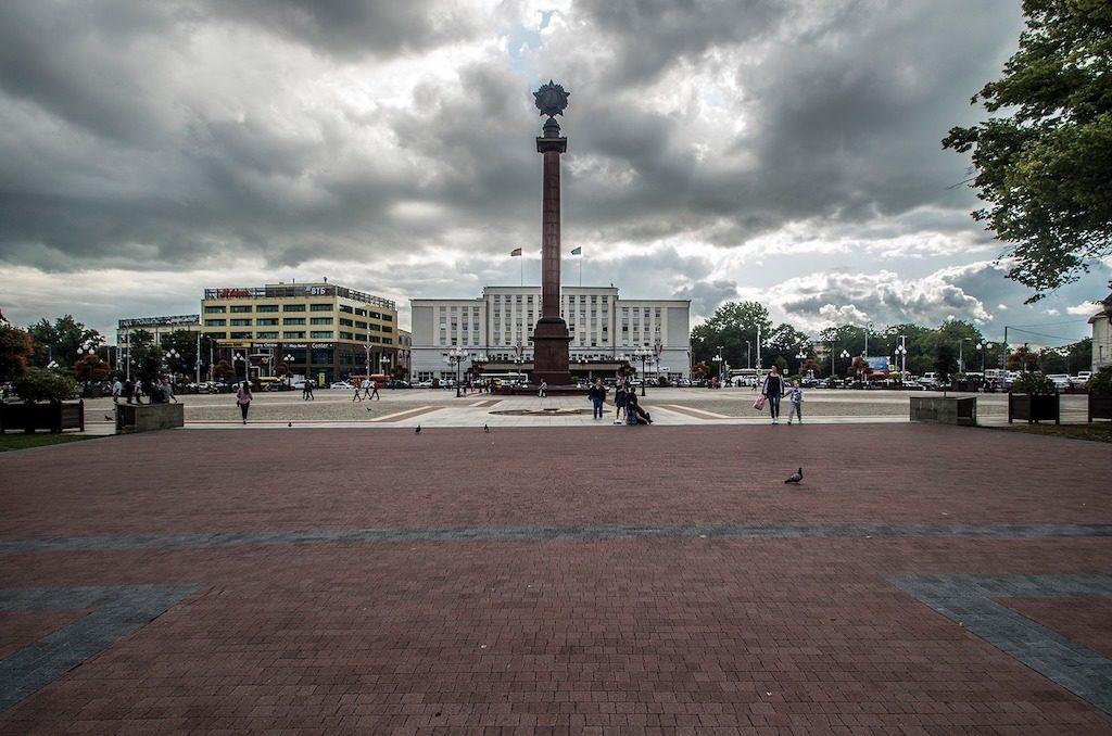 Plac Zwycięstwa (ros. Площадь Победы), współczesne centrum Kaliningradu – Foto: Adrian Sitko