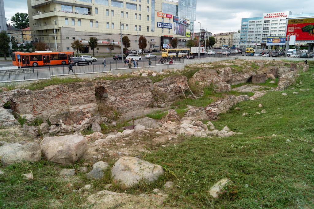 Odsłonięte pozostałości zamku