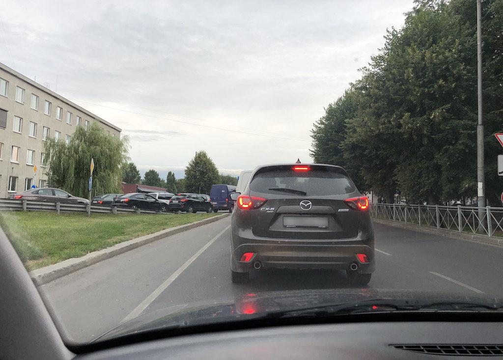 Na drogach Kaliningradu panuje straszne chamstwo – Zajeżdżanie drogi, cwaniakowanie, trąbienie, to standard