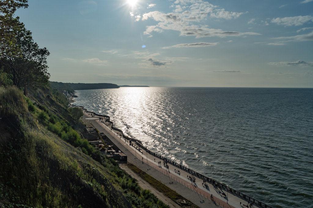 Swietłogorsk posiada klifowe wybrzeże