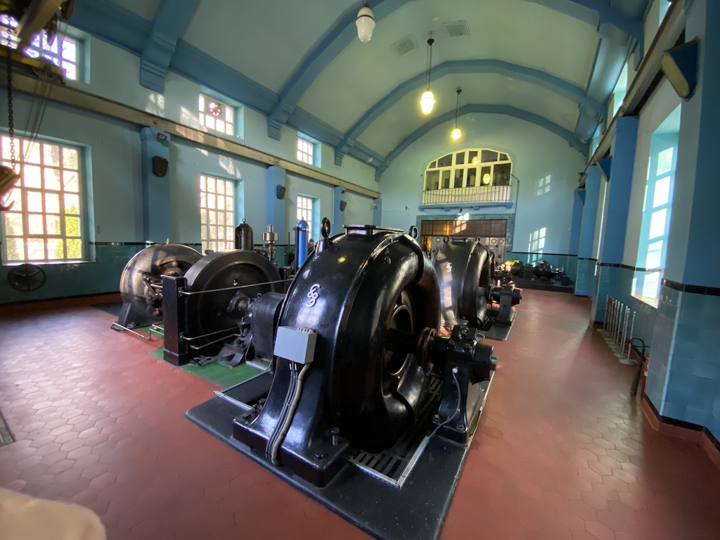 Zabytkowe turbozespoły pracują tu już od ponad 100 lat