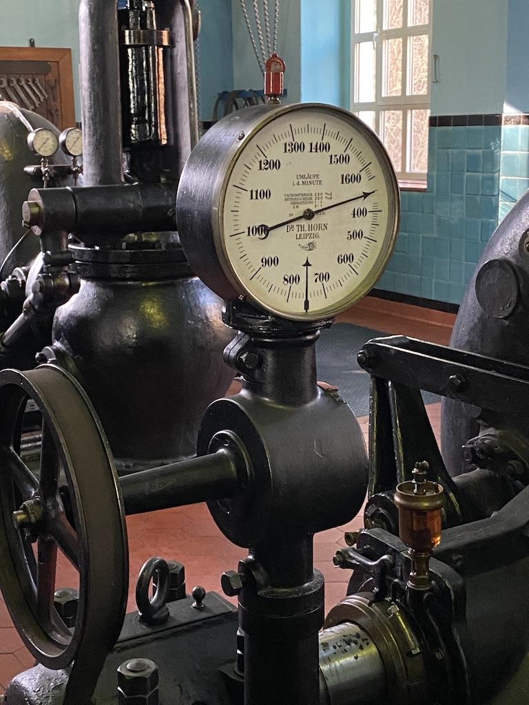 Zegar wyprodukowany przez firmę z Lipska