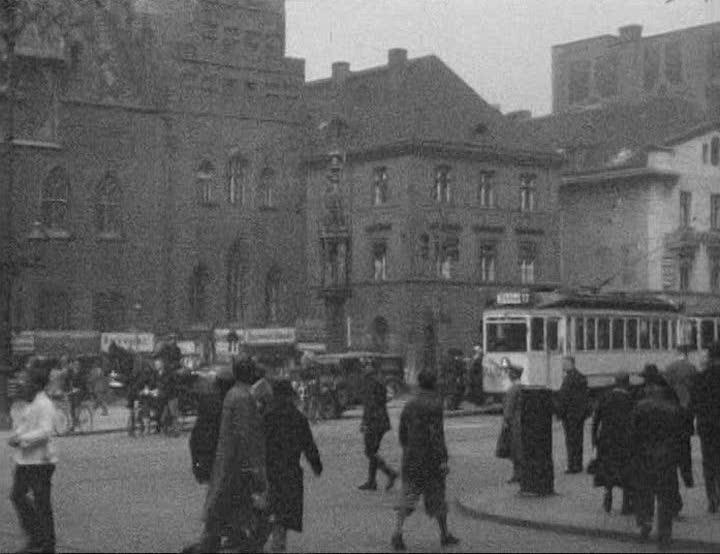 Wschodnia strona rynku wraz ze Starym Ratuszem i pręgierzem – Wrocław 1924 rok