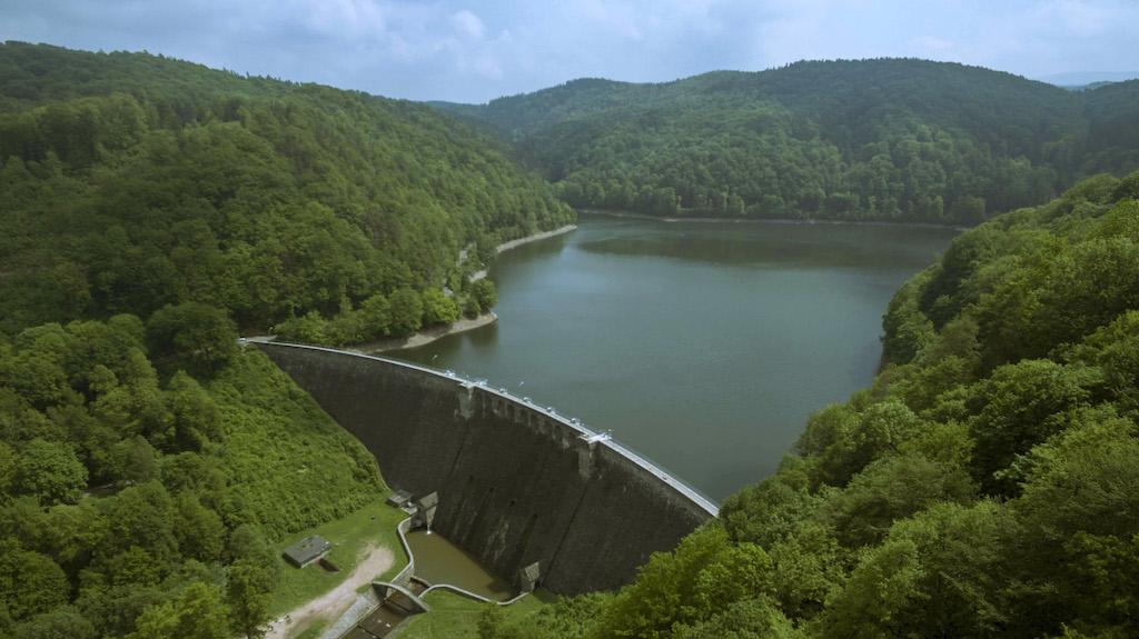 Zapora wodna w Zagórzu Śląskim i Jezioro Bystrzyckie – Foto: Sonia Matusewicz-Ziółkowska