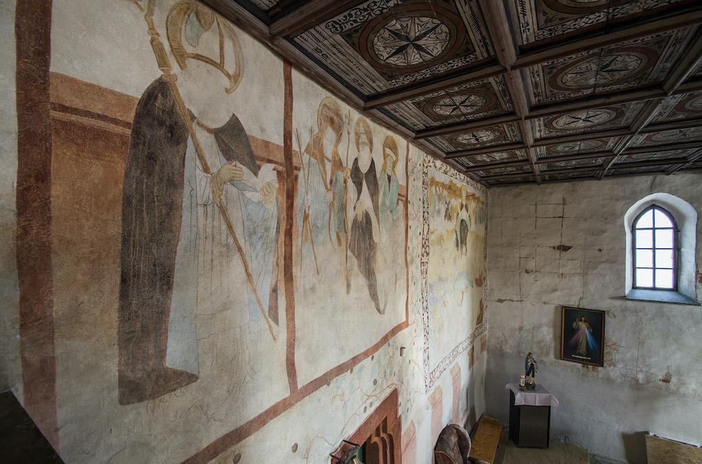 Malowidła przedstawiające sceny z życia świętych, odkryte w 2014 roku w kościele św. Mikołaja w Niedźwiedzicy – Foto: Adrian Sitko