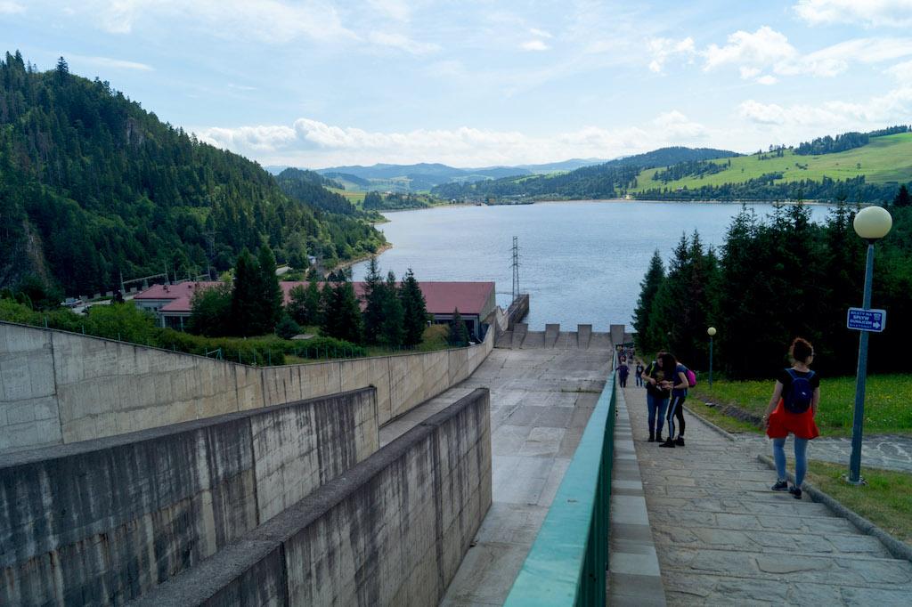 Widok na niżej położony zbiornik Sromowce Wyżne