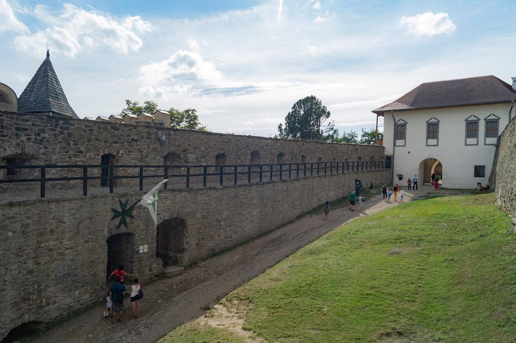 Zamek dolny i barokowy pałac