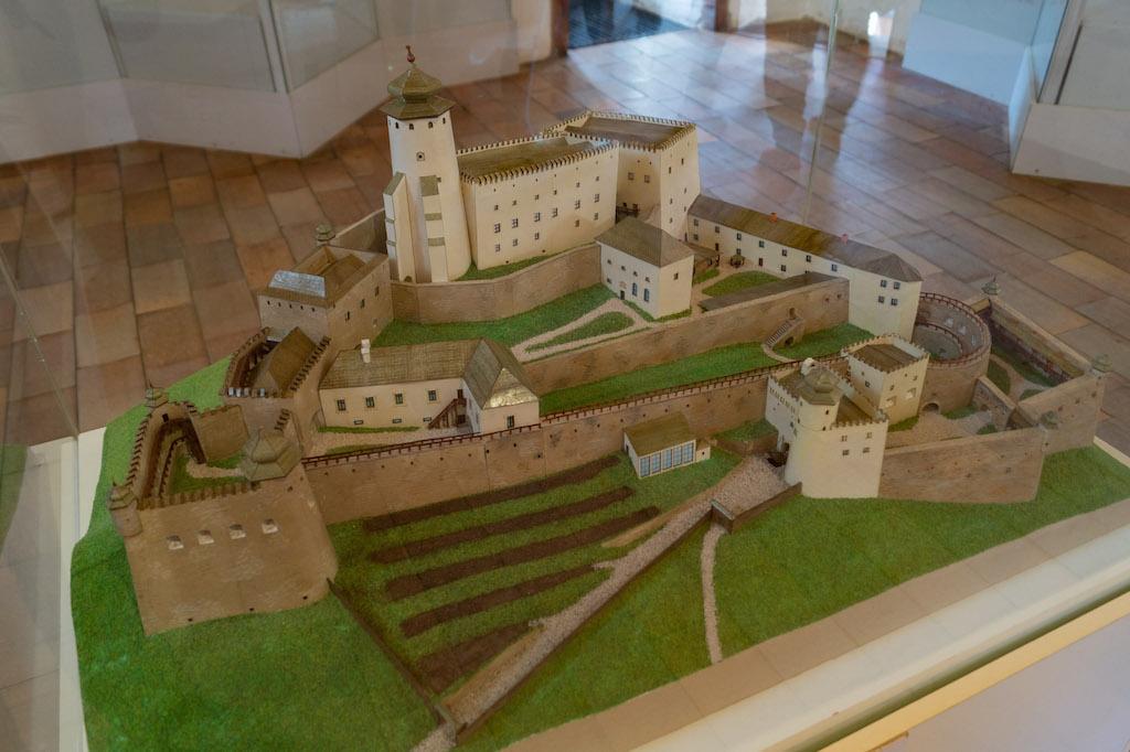 Makieta przedstawiająca Zamek Lubowla w połowie XVIII wieku
