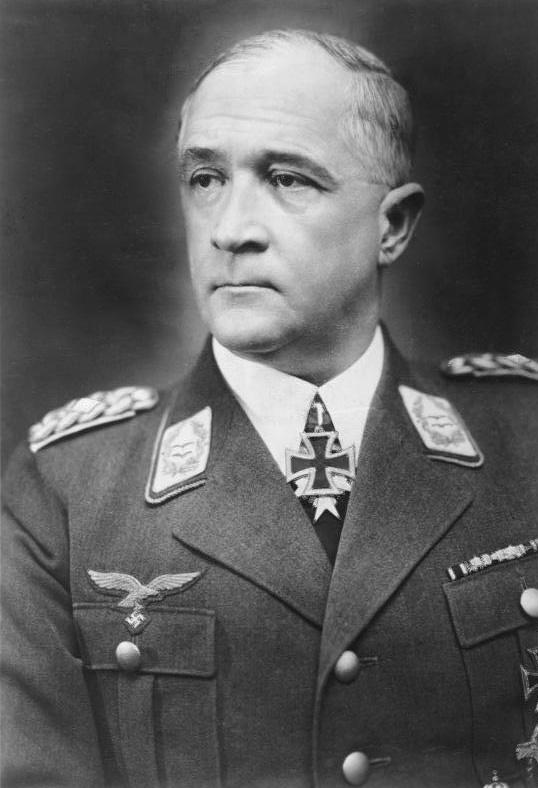 Generał Ritter von Greim, to z nim Reitsch przedostała się do oblężonego Berlina – Bundesarchiv, Bild 183-2004-1220-500