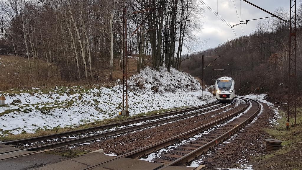 Pociągiem KD wzdłuż doliny Lubiechowskiej Wody