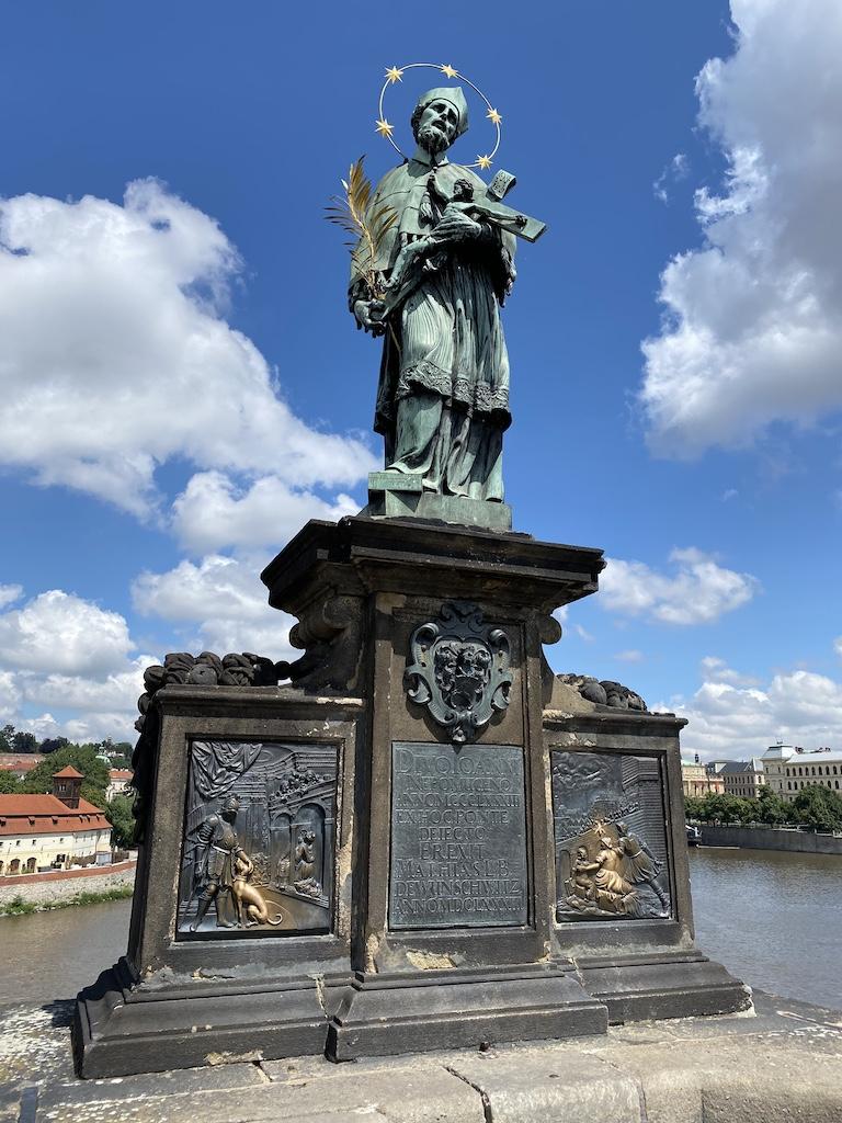 Pomnik Jana Nepomucena na Moście Karola