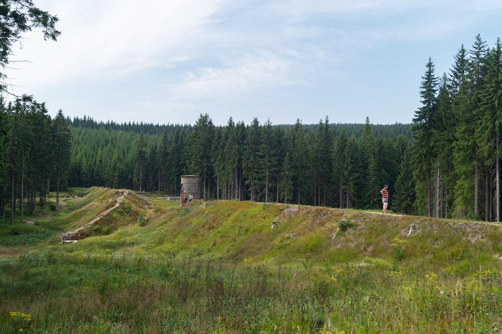 Pozostałości przerwanej zapory na Białej Desnej