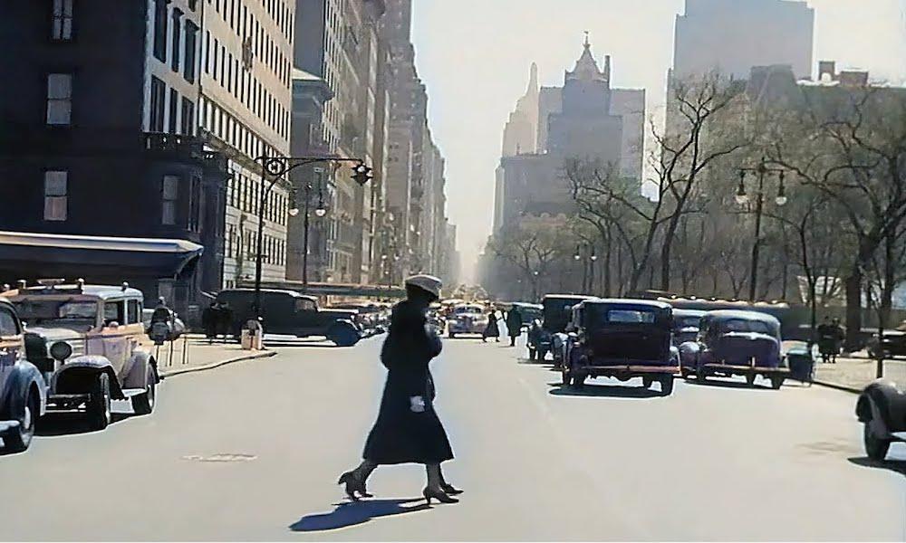 Przejazd ulicami Nowego Jorku w latach 30. XX wieku – Źródło: YouTube / NASS